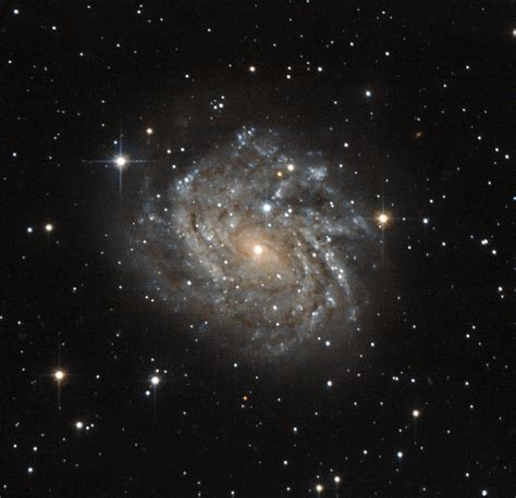 Galaxy with a view | ESA/Hubble