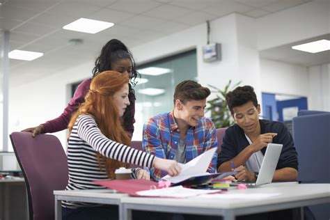Meeting other students   Listening - Beginner A1   British